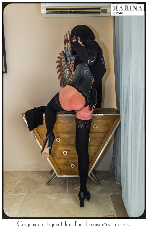 Le corset de cuir.